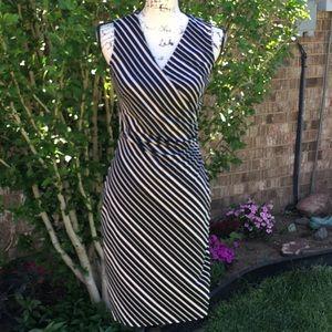Express Dresses - EUC EXPRESS Tan & Black Stripped Side Ruched Dress